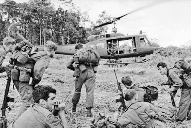 فرمانده نیروهای آمریکا در جنگ ویتنام قصد داشت از بمب اتم استفاده کند
