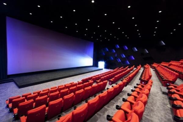 بررسی ضوابط 15بندی برای بازگشایی سینماها