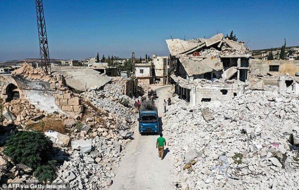 تدارک تروریست ها برای حمله شیمیایی ساختگی در ادلب، تلاش ارتش سوریه برای گشایش گذرگاه انسانی